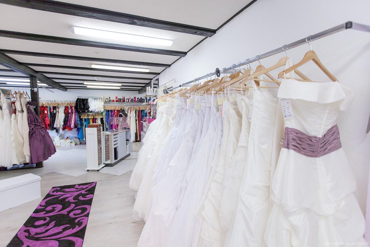 Wunderbar Brautkleider In Den Läden Zeitgenössisch - Brautkleider ...